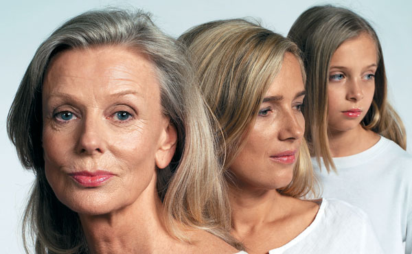 От косметики кожа стареет