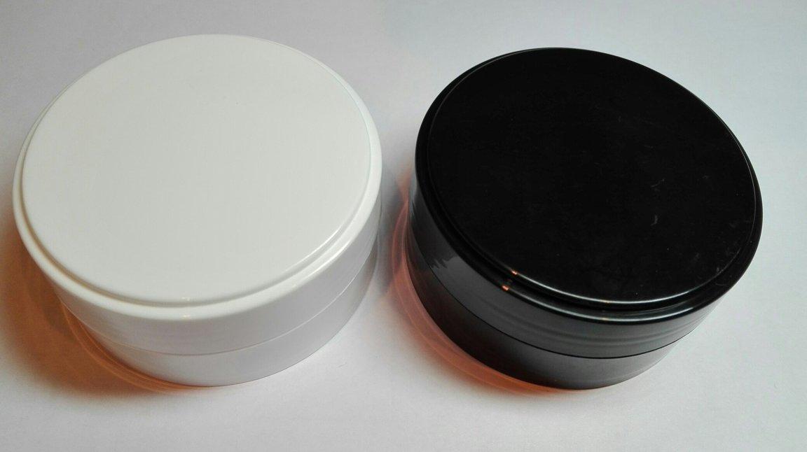 Баночки: черная и белая