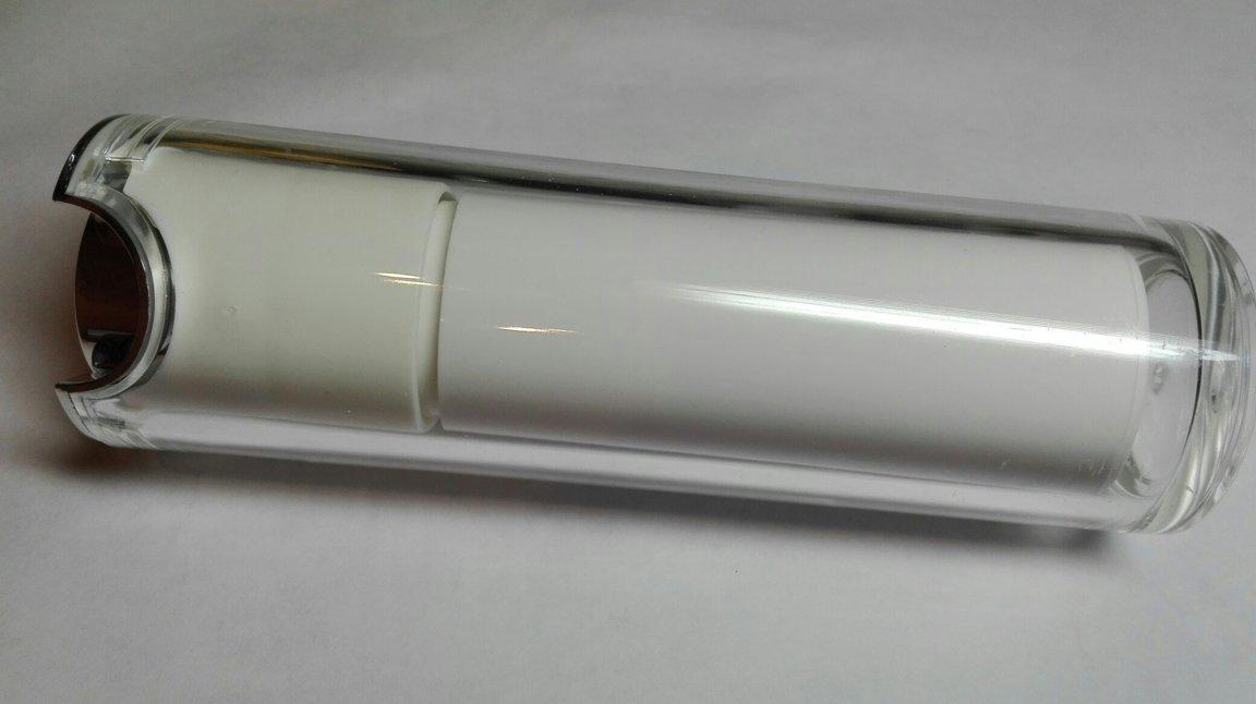 Диспенсер вакуумный белый